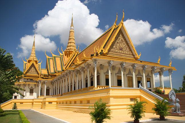 E Phnom Penh